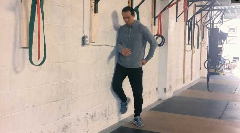 overhead squat mobility exercise exercises - multi angle clamshell external rotation