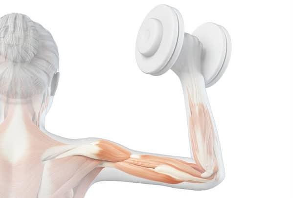 woman-workout - strained rotator cuff