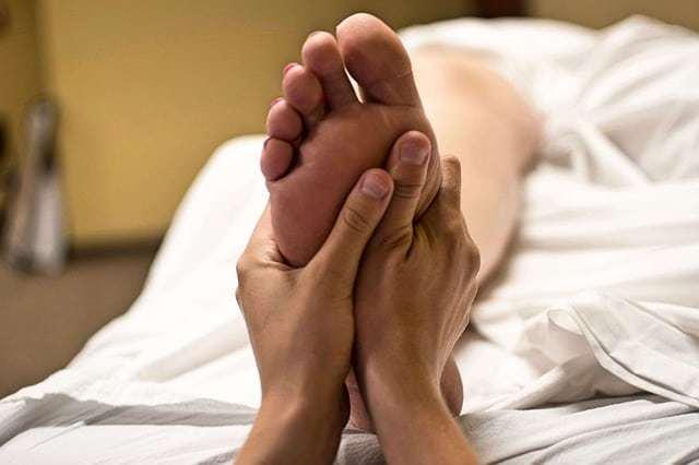 plantar fasciitis exercises foot massage