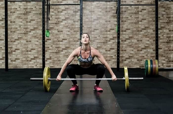 sharp knee pain when squatting patellar tendonitis (1)
