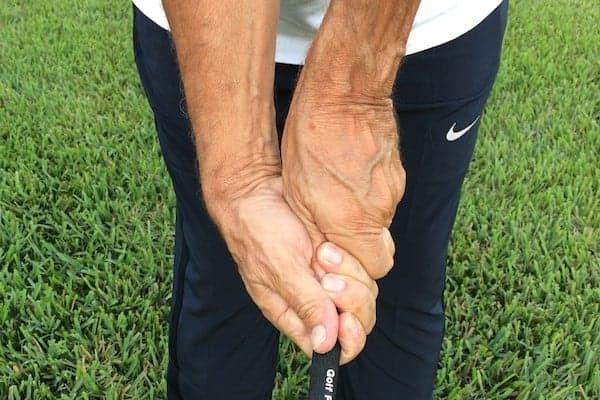 How to Treat a Sprained Wrist Swining a Bat