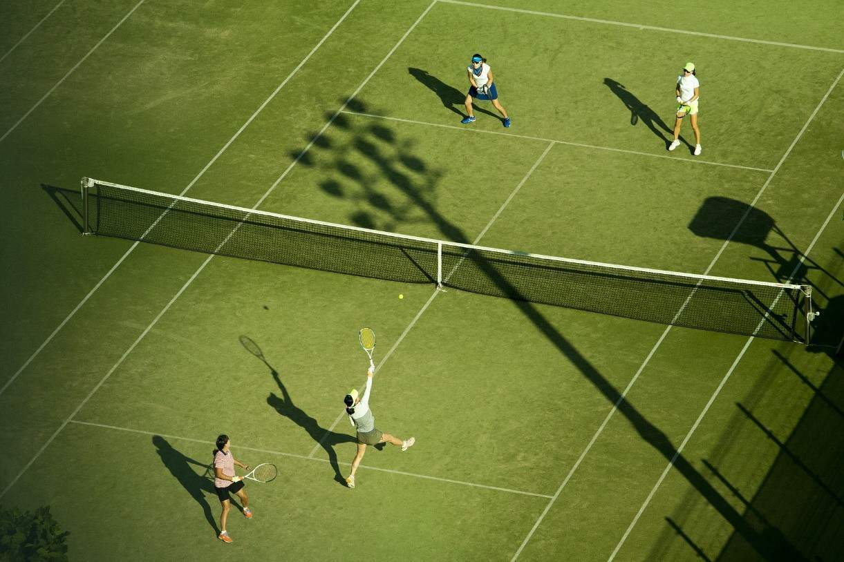 tennis elbow symptoms - doubles game